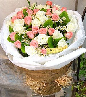 21枝粉玫瑰/只愿有你伴
