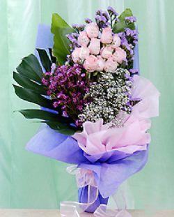 12枝粉玫瑰/爱在翱翔
