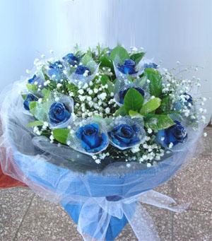 19枝蓝玫瑰/美丽的思念: 19枝蓝玫瑰(每朵加白色小纱网),绿叶,满天星丰满