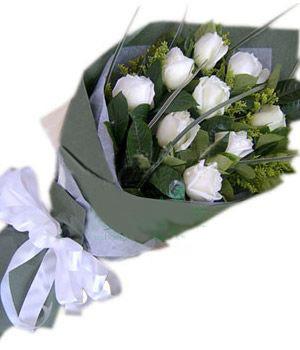 9枝白玫瑰/我心永恒