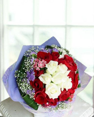 6枝白玫瑰/星�Z心愿