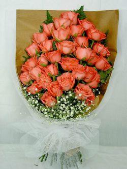 36枝粉玫瑰/甜蜜蜜: 36枝粉玫瑰,满天星围绕,