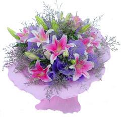 6枝香水粉百合/流星花园: 6枝粉色香水百合加情人草;