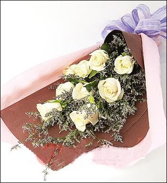 9枝白色玫瑰/白色舞动