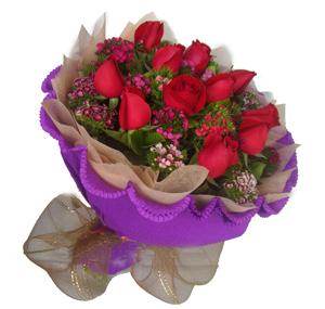 12枝红玫瑰/花的嫁纱