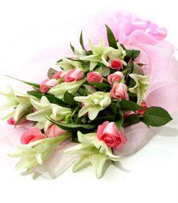 11枝粉玫瑰/情意两相知