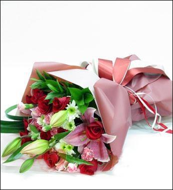 9枝红玫瑰/相伴相依