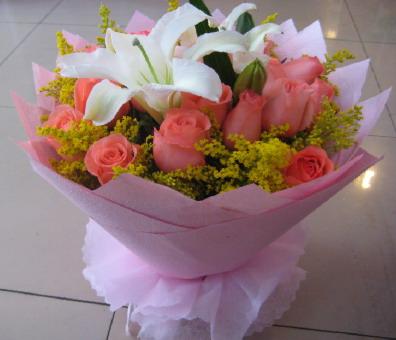 18枝粉玫瑰/盼望我的爱