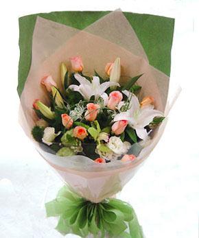 12枝粉玫瑰/美丽人生: 12支粉玫瑰、2支多头香水白百合、桔梗、配草若干