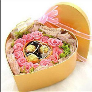 13枝粉玫瑰/特别的你