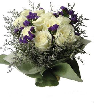 11支白玫瑰/独一无二的你
