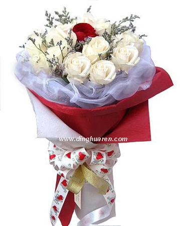 18枝白玫瑰/为你倾心