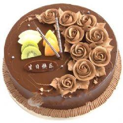 巧克力蛋糕/一生的愛(8寸): 巧克力色奶油花裝飾,水果片點綴。