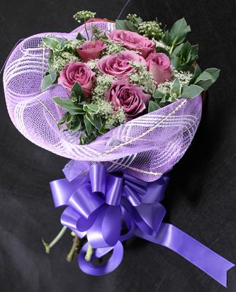 6枝紫玫瑰/互爱
