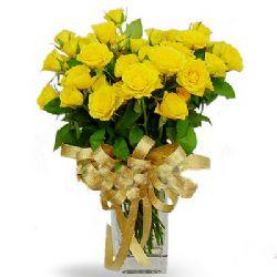 30枝黄玫瑰/有爱: 30朵黄玫瑰。
