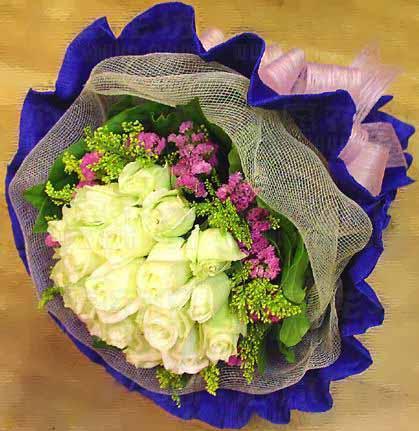 19枝白玫瑰/�鄣母姘�