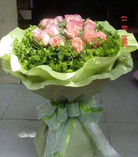 11枝粉玫瑰/�鄣奶焓�