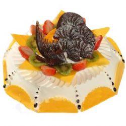 鲜奶巧克力蛋糕/夏日夕阳(8寸): 鲜奶巧克力蛋糕,少许的水果点缀