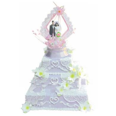 三层方形鲜奶蛋糕/爱的见证(8寸)