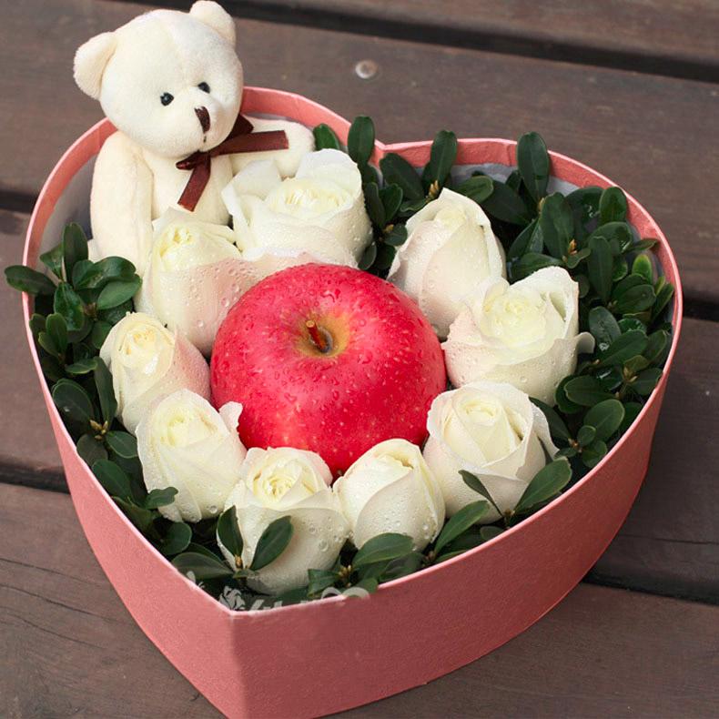 【圣诞鲜花/9白玫瑰+1小熊+一个苹果】