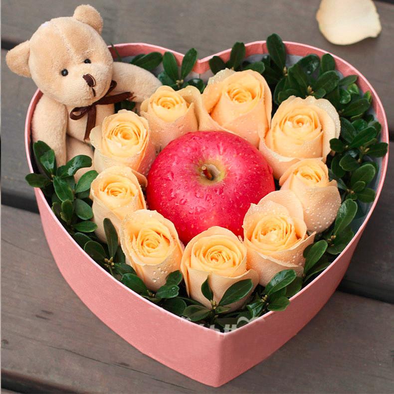 【圣诞鲜花/9香槟玫瑰+1小熊+一个苹果】