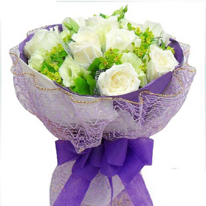 花言花语/9朵白玫瑰