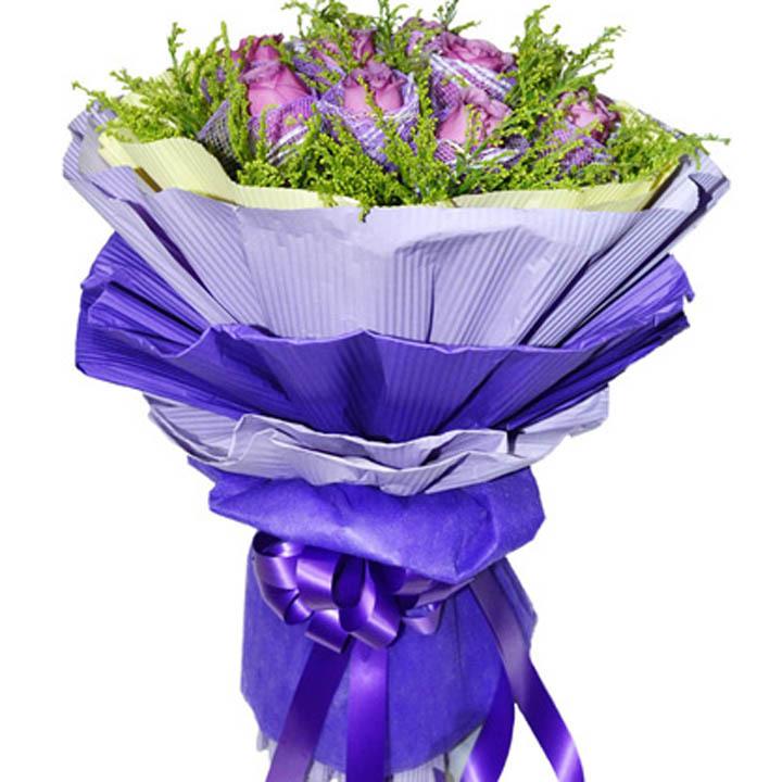 紫色心际/11朵紫玫瑰