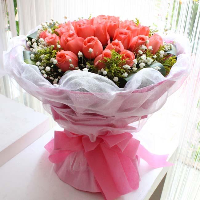 记忆/19朵粉玫瑰: 19朵粉玫瑰,外围黄莺+满天星
