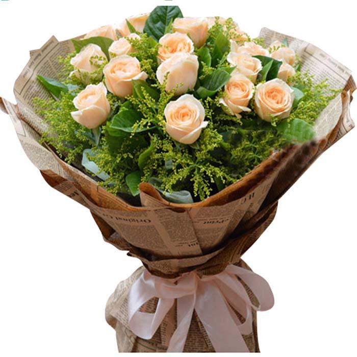 爱到至高点/19朵香槟玫瑰: 19朵香槟玫瑰,绿叶满天星点缀