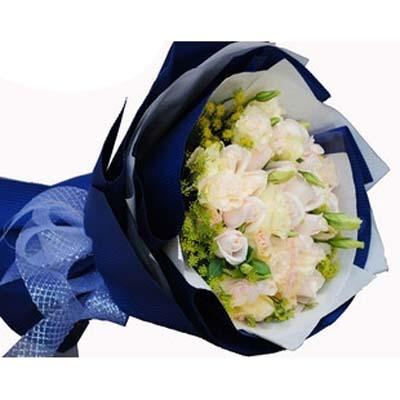 感觉/18朵香槟玫瑰: 18朵香槟玫瑰,配洋桔梗,外围绿叶