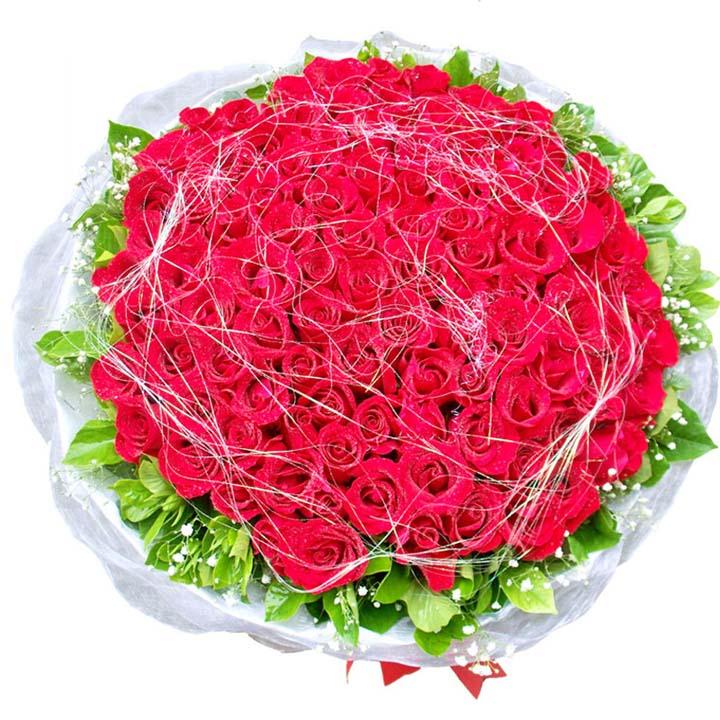 今生不�/108朵�t玫瑰: 108朵�t玫瑰,搭配�M天星和�G�~ 花上��金�z