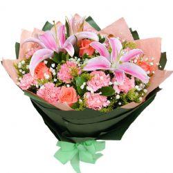 幸福无边/11朵康乃馨: 3朵粉玫瑰,11朵粉色康乃馨、1枝多头粉色香水百合,搭配满天星,黄莺