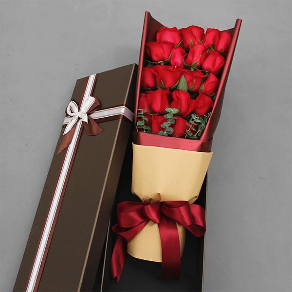 礼盒鲜花 19朵红玫瑰