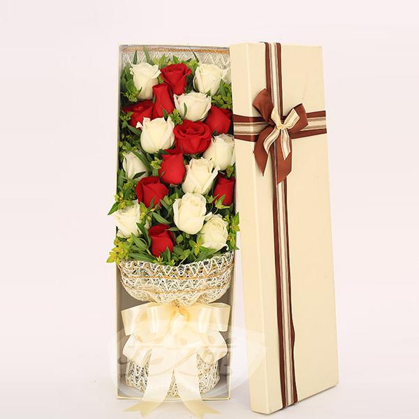 礼盒鲜花 9朵红玫瑰 10朵白玫瑰