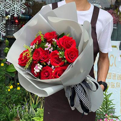 11枝红玫瑰花束灰色雾面纸包装