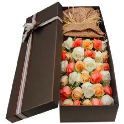 礼盒/33枝玫瑰: 共33枝粉白香槟
