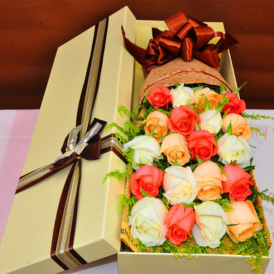 礼盒/19枝多色玫瑰
