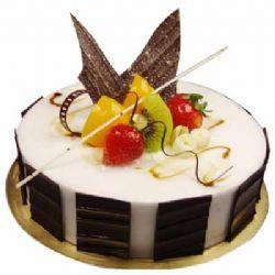 巧克力蛋糕/永远爱你: 圆形鲜奶水果蛋糕,时令水果装饰,巧克力片围边