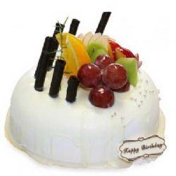 巧克力蛋糕/朋友情谊: 圆形鲜奶巧克力水果蛋糕,表面巧克力和水果装饰!