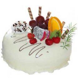 巧克力蛋糕/老爸快乐: 圆形鲜奶巧克力水果蛋糕,表面白色巧克力和水果装饰