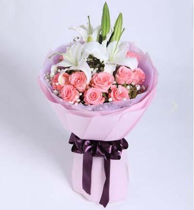 11枝粉玫瑰/为爱相随