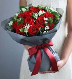 19枝红玫瑰/浪漫心情: 红玫瑰19枝,白色相思梅0.5扎,栀子叶1扎