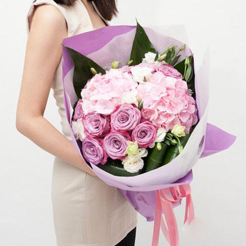 11支紫玫瑰加2支粉色绣球/绝代佳人