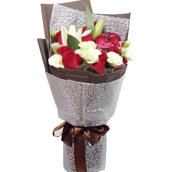 11朵精品红白玫瑰+1朵多头香水百合/情深于心 (红玫瑰 百合 情人 生日 母亲 爱情)