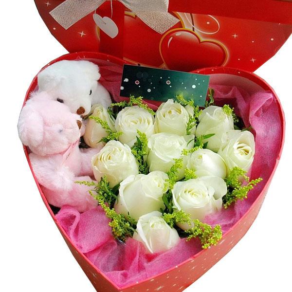 11朵极品白玫瑰+2只小熊/一心 (白玫瑰 爱情 友情 生日 情人 七夕 圣诞 教师 父母)