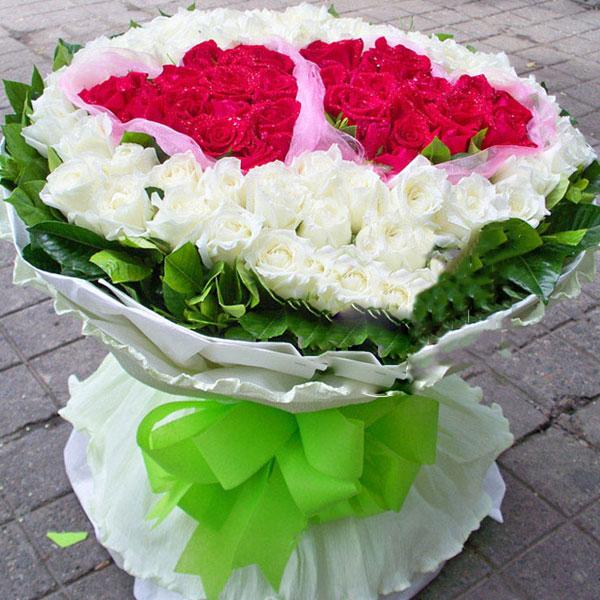 精选32朵红玫瑰/爱如此心 (红玫瑰 白玫瑰 爱情 友情 朋友 情人 七夕 生日 圣诞)