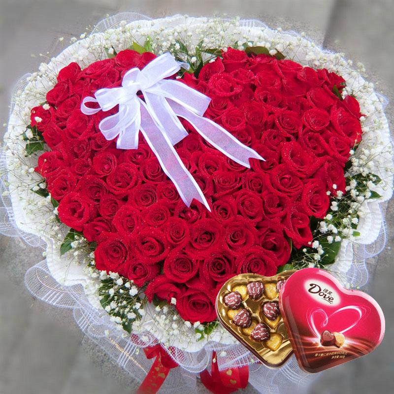 99枝红玫瑰/99朵心形红玫瑰巧克力组合