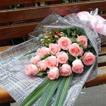 精心挑选16朵昆明戴安娜玫瑰/粉红佳人