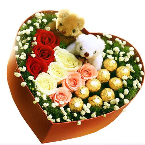 精选3朵粉玫瑰+3朵白玫瑰+3朵红玫瑰+9颗费 列罗巧克力+1对情侣小熊/彩虹情调