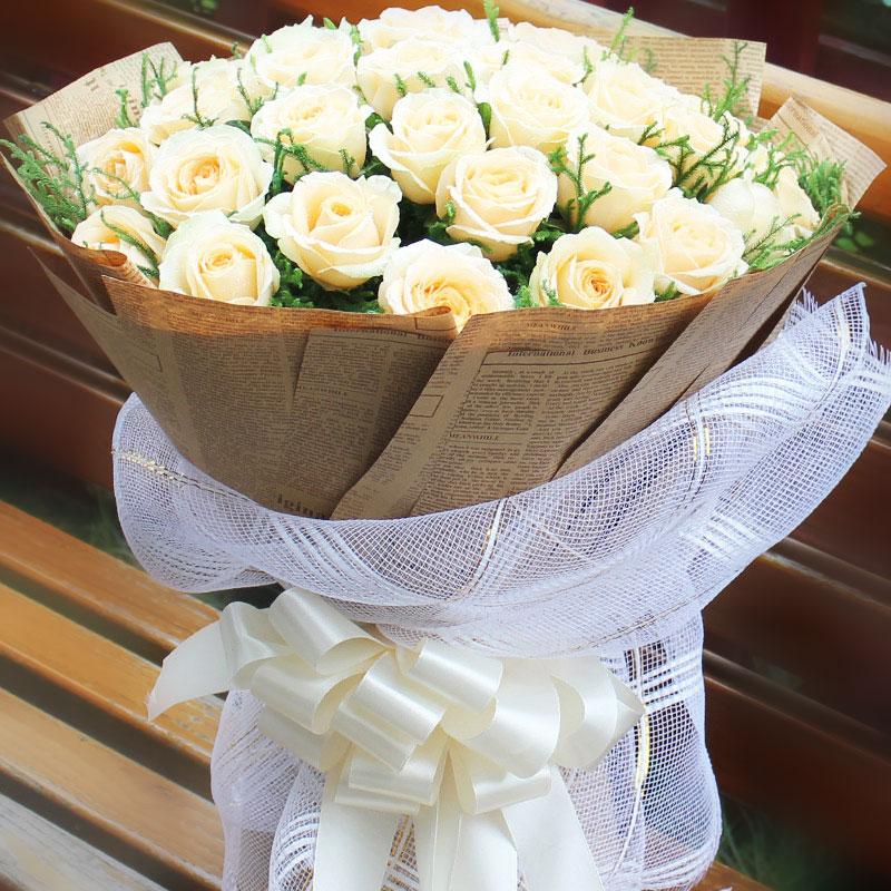 33朵香槟玫瑰/梦落芳华